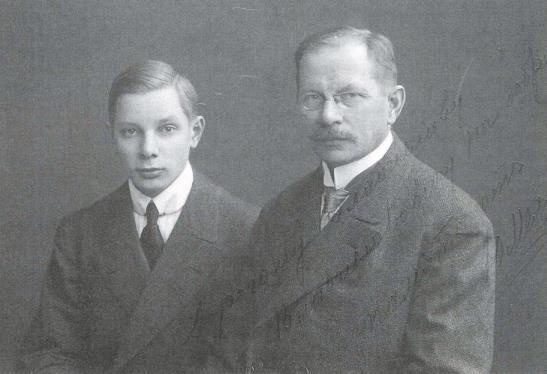 1в.Ю.А.Меллер с сыном Александром.