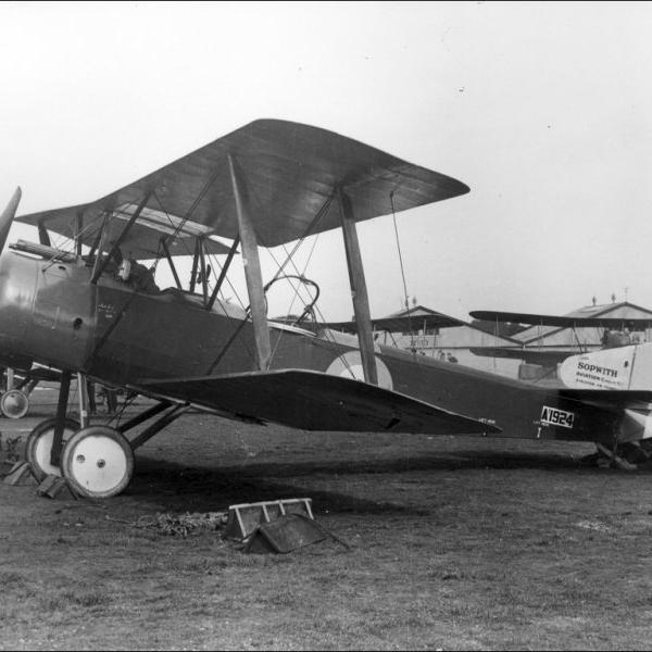 13.Истребитель Sopwith 1 1-2 Strutter с двигателем Clerget 9B.