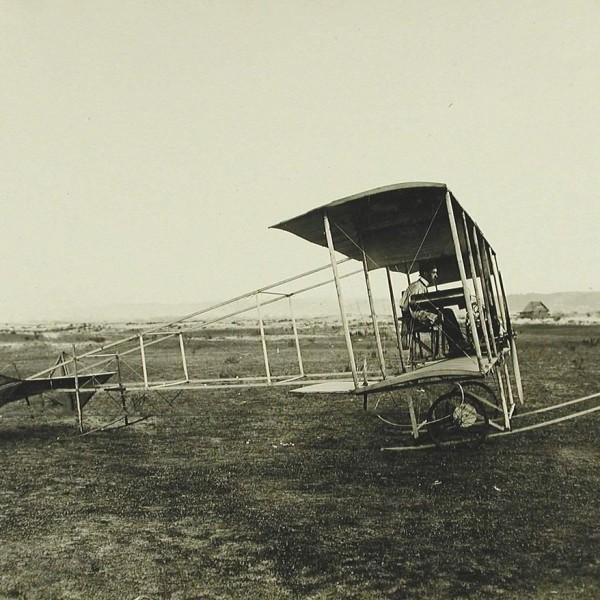 2.И.И.Сикорский в самолете БиС-2. 1910 г.