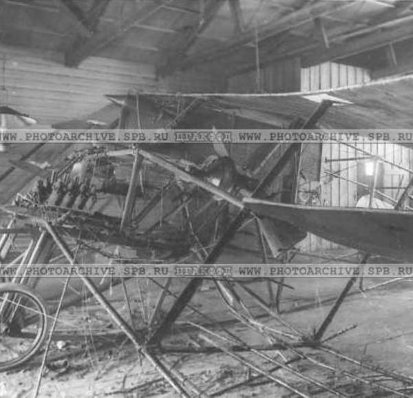 3.Гаккель-I поврежденный пожаром в ангаре. 1910 г