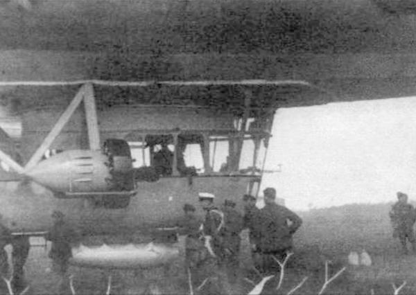 5.Силовая установка и гондола дирижабля СССР-В8. С кормовой и носовой пулеметными установками.