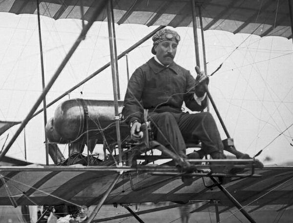 7.авиатор-испытатель В. А. Лебедев.