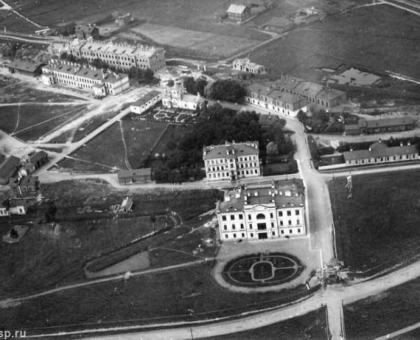 9.Вид на Воздухоплавательный парк. Сделан между 1900-1910 г