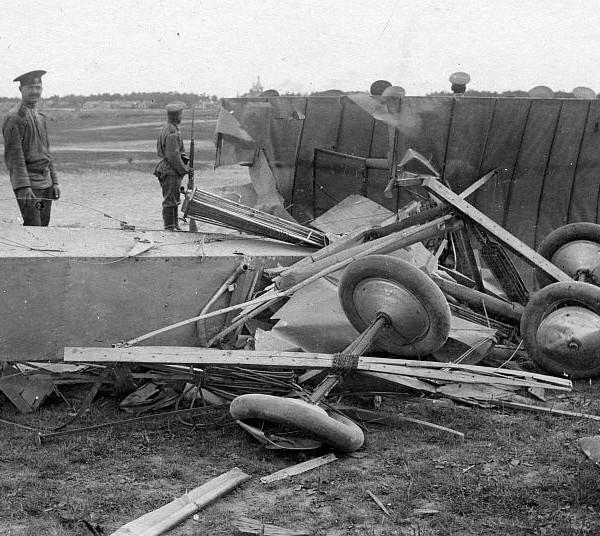 Обломки самолета С-6Б. Красное село, 23 июля 1913 года.
