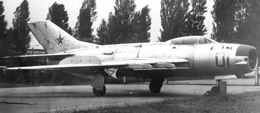 0.МиГ-19ПМ