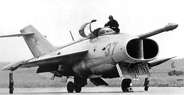 0.Як-36