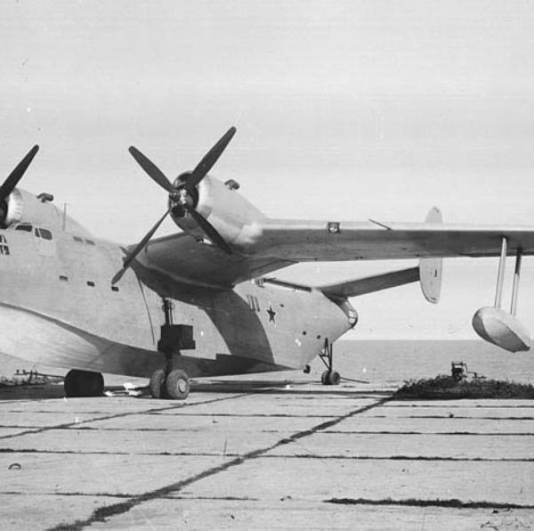 1.Бе-6 с двигателями АШ-73.
