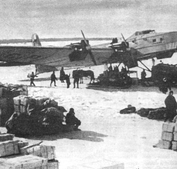 1.Г-2 (АНТ-6 М-17) в Нарьян-Маре. Зима 1942 г.