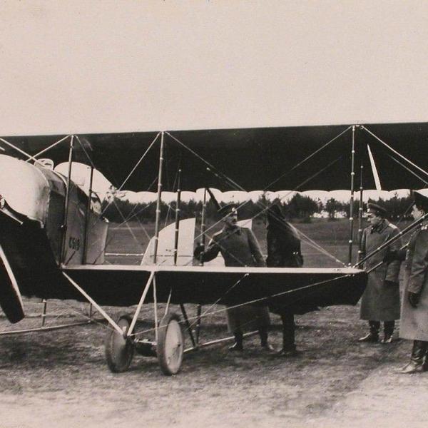 1.Группа русских летчиков у Caudron G.IIIА.2