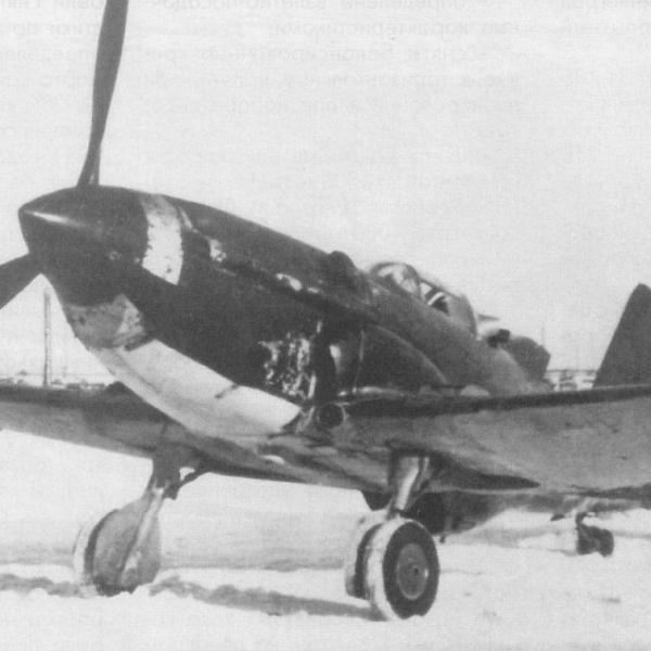 1.Истребитель Су-3.