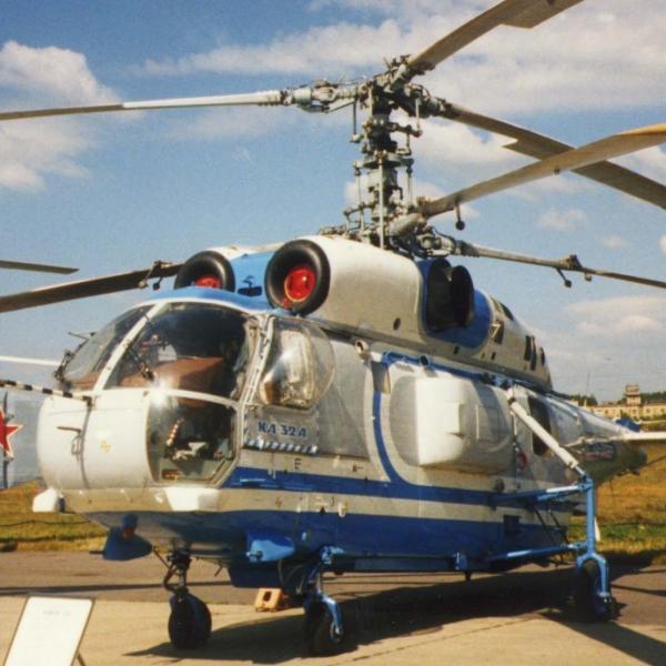 1.Ка-32А на стоянке.