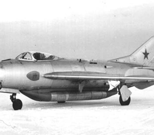 1.МиГ-19СУ.