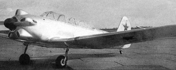 1.Опытный Як-18 на испытаниях в НИИ ВВС.