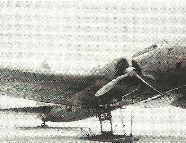 1.Опытный самолет ЦКБ-54-1 на лыжном шасси.