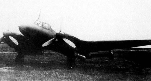 1.Пе-2Б № 19-223.