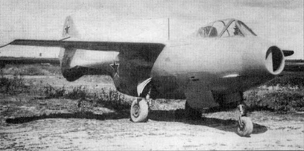 1.Первый летный экземпляр Ла-150. Апрель-май 1946 года.
