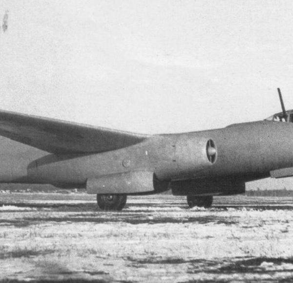 1.Самолет 73 (Ту-73).