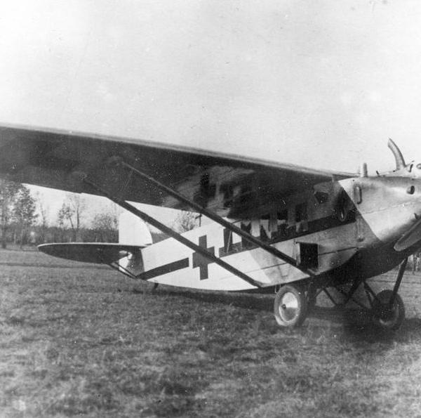 1.Санитарный самолет К-3.
