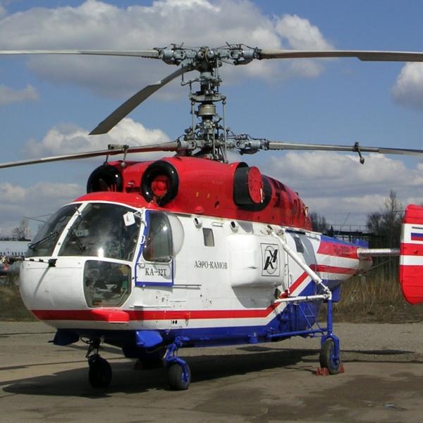 1.Вертолет Ка-32Т на стоянке.