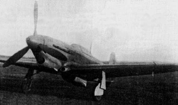 1.Як-1 М-106П.