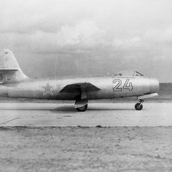 1.Як-19-1 перед первым полетом. 8 января 1947 г.
