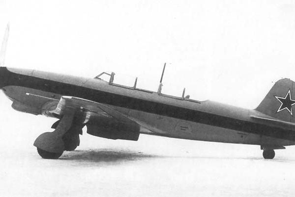 1.Як-9 Курьерский