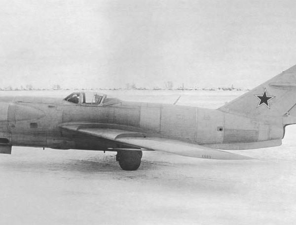 10.Ла-200Б с РЛС Сокол. 1952 г. 2