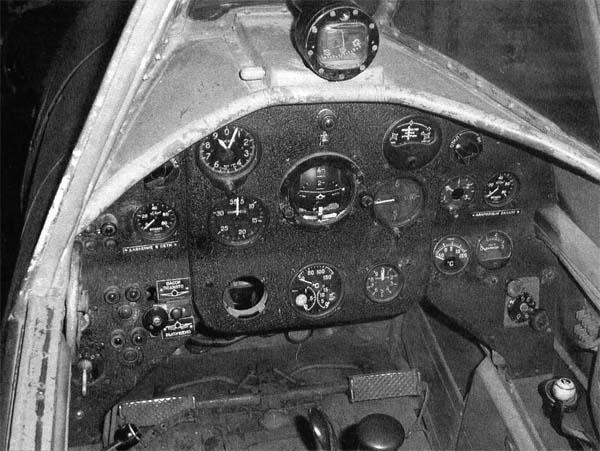 12.Приборная панель Як-18 (передняя кабина).