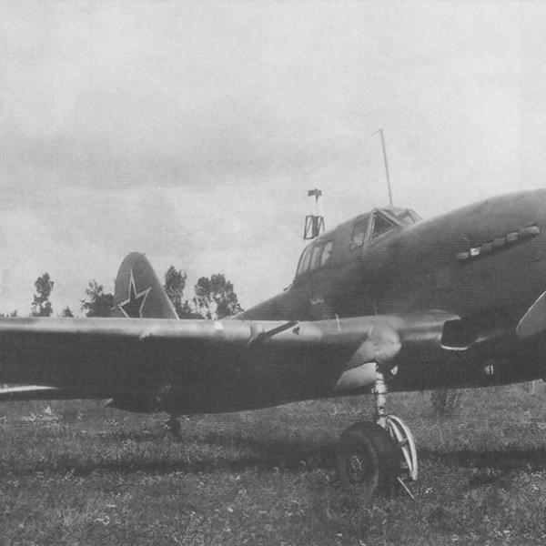 12.Штурмовик Ил-10 с мотором Ам-42.