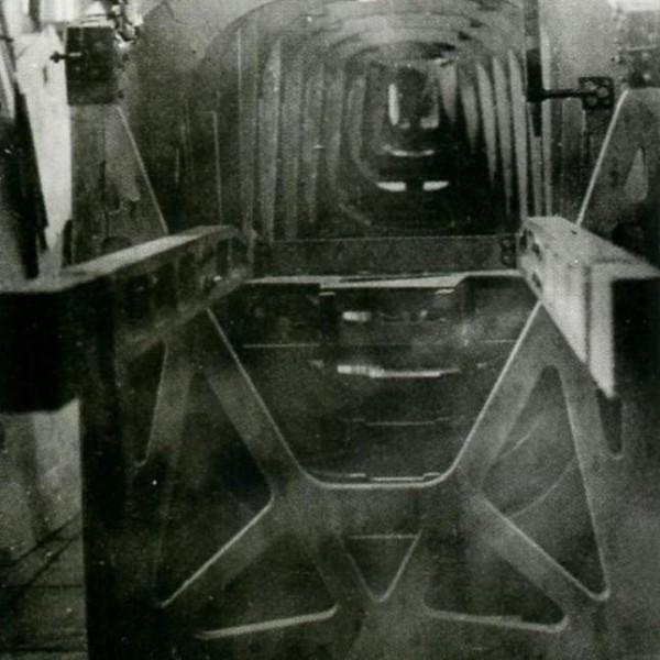 12.Вид спереди на собранный каркас фюзеляжа И-1.