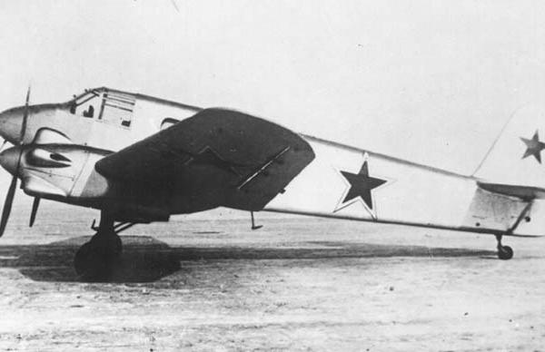 12.Як-6М.