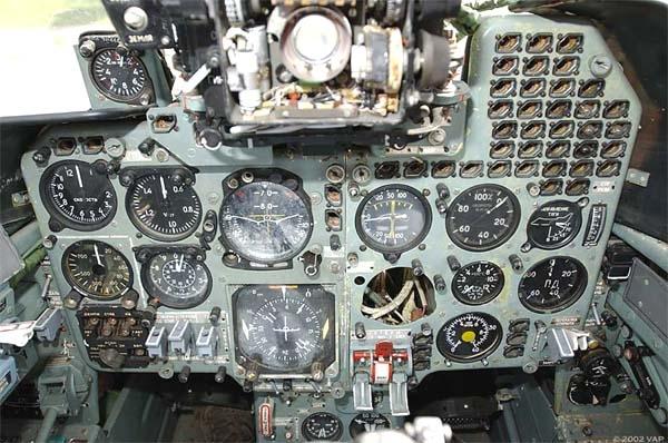 12а.Приборная панель кабины Як-38.