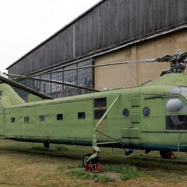12а.Як-24 с заводским № 27203310 (бывший трубоукладчик) в авиамузее Монино.