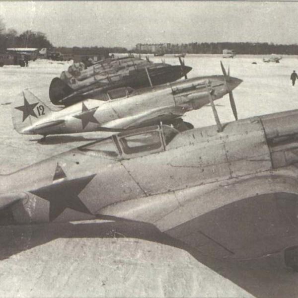 15.МиГ-3 на стоянках. Зима 1941 г.