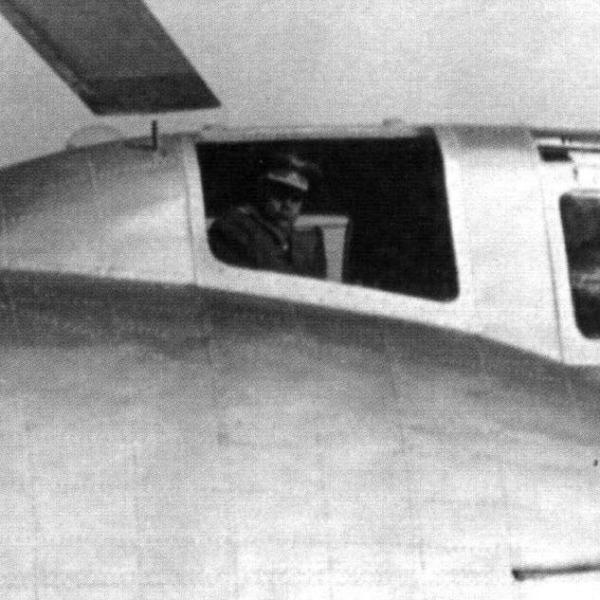 15.Вид на кабину Ка-22.