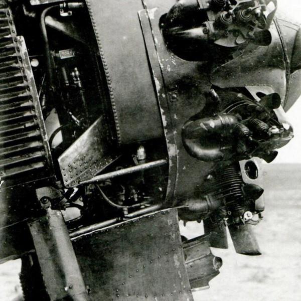 18.Двигатель М-22 на серийном И-4.