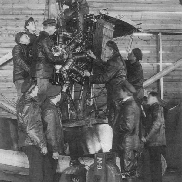 18в.Установка двигателя Salmson на самолет М-9.