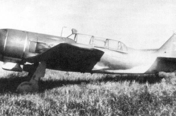 1а.Учебно-тренировочный истребитель Ла-9В.