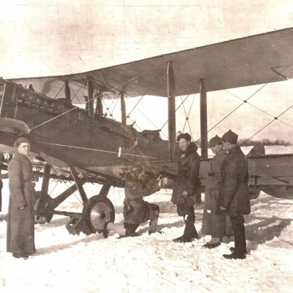 1г.Р-1 на полевом аэродроме. Зима 1932 г