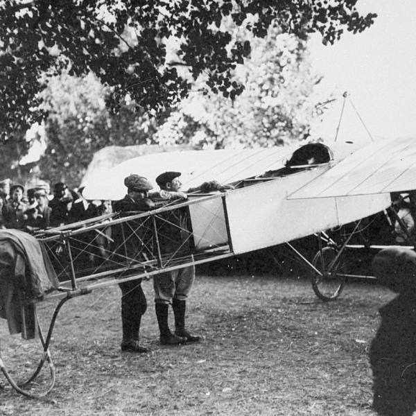 2.1910. Bleriot XI. 1-я авианеделя в Санкт-Петербурге.