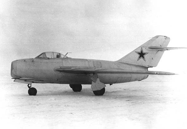 2.И-310 (МиГ-15 (С-1)). Вид сбоку.