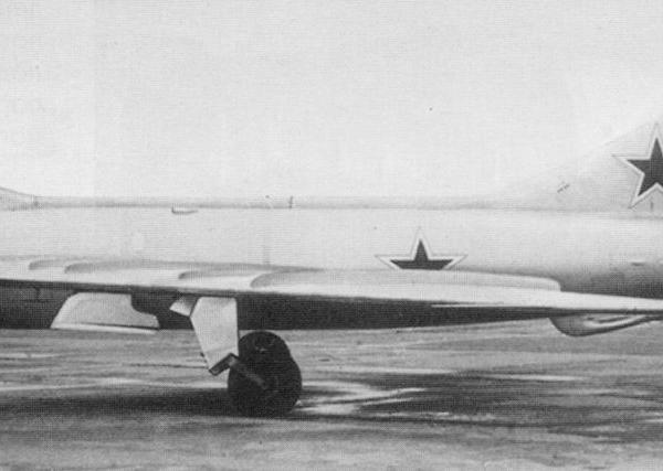 2.Истребитель И-350 (М-1). 2