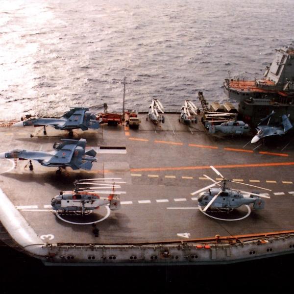 2.Ка-27ПЛ и Ка-27ПС на палубе Адм. фл. Кузн.
