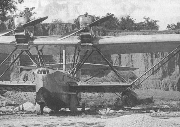 2.Летающая лодка РОМ-2 в Таганроге.