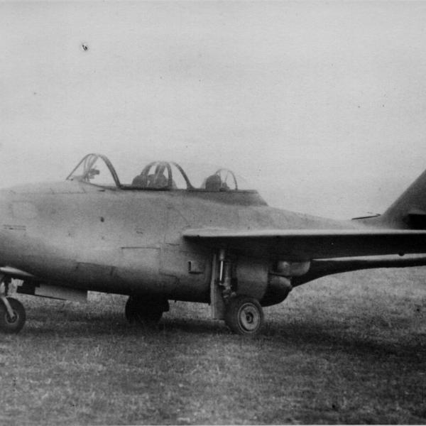 2.МиГ-9УТИ (ТФ-2).