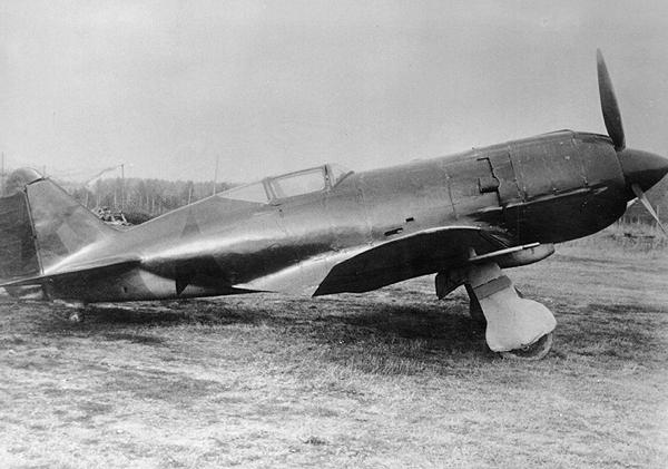 2.Опытный МиГ-9(Первый).