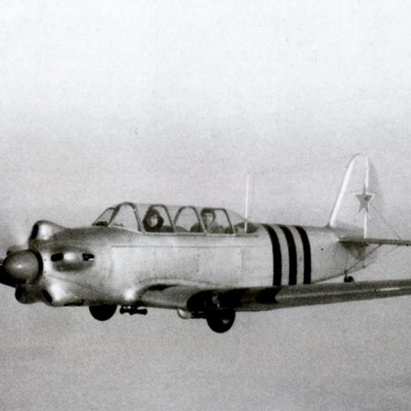 2.Первый экземпляр Як-18, построенный на харьковском авиазаводе N135, снимок 1947 года.