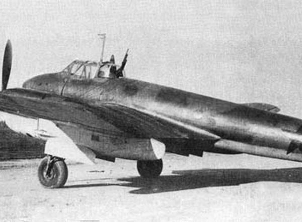 2.Первый опытный Пе-3бис фото 2.