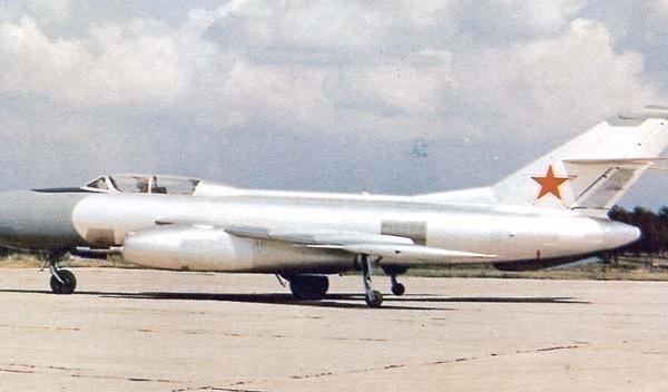 2.Серийный Як-25.
