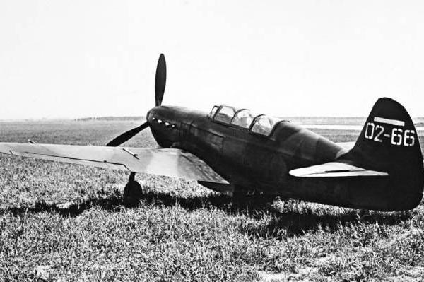 2.Серийный вывозной самолет Як-7В УТИ № 02–66.